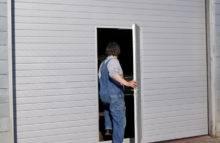 Průmyslová sekční vrata - dveře